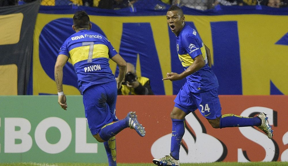 "Argentinas Boca Juniors defender Frank Fabra celebrates upon scoring against Colombia's Deportivo Cali during their Copa Libertadores group 3 football match at the ""Bombonera"" stadium in Buenos Aires,  on April 20, 2016.  / AFP / EITAN ABRAMOVICH        (Photo credit should read EITAN ABRAMOVICH/AFP/Getty Images)"