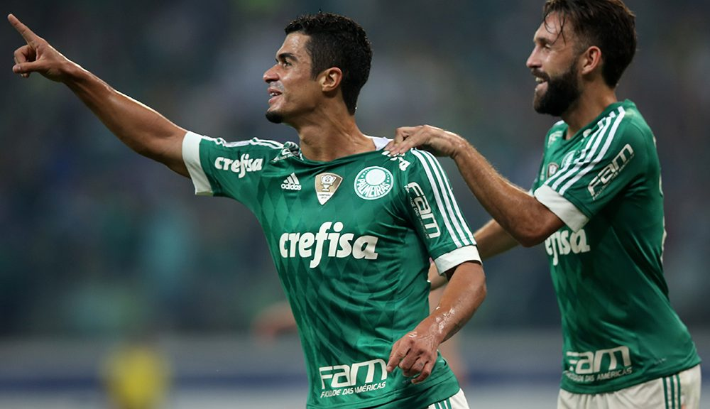 SAO PAULO, BRAZIL - APRIL 14:  Egidio (L) of Palmeiras celebrates scoring the first goal with Allione (R) during a match between Palmeiras and River Plate URU as part of Group 2 of Copa Bridgestone Libertadores at Allianz Parque on April 14, 2016 in Sao Paulo, Brazil.  (Photo by Friedemann Vogel/Getty Images)