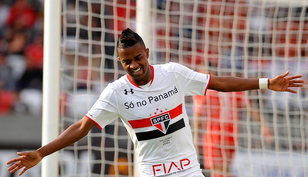 Brazil��s Sao Paulo player Kelvin Mateus celebrates his goal against Mexico��s Toluca during their Copa Libertadores 2016 round before the quarterfinals second leg football match at Nemesio Diez stadium on May 04, 2016, in Toluca, Mexico.   / AFP / MARIA CALLS        (Photo credit should read MARIA CALLS/AFP/Getty Images)